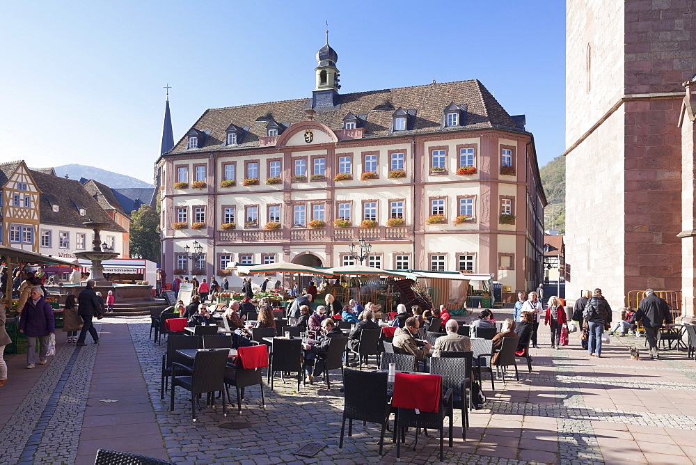 Marketplace and town hall with street cafes at the market day, Neustadt an der Weinstrasse, German Wine Route, Pfalz, Rhineland-Palatinate, Germany, Europe
