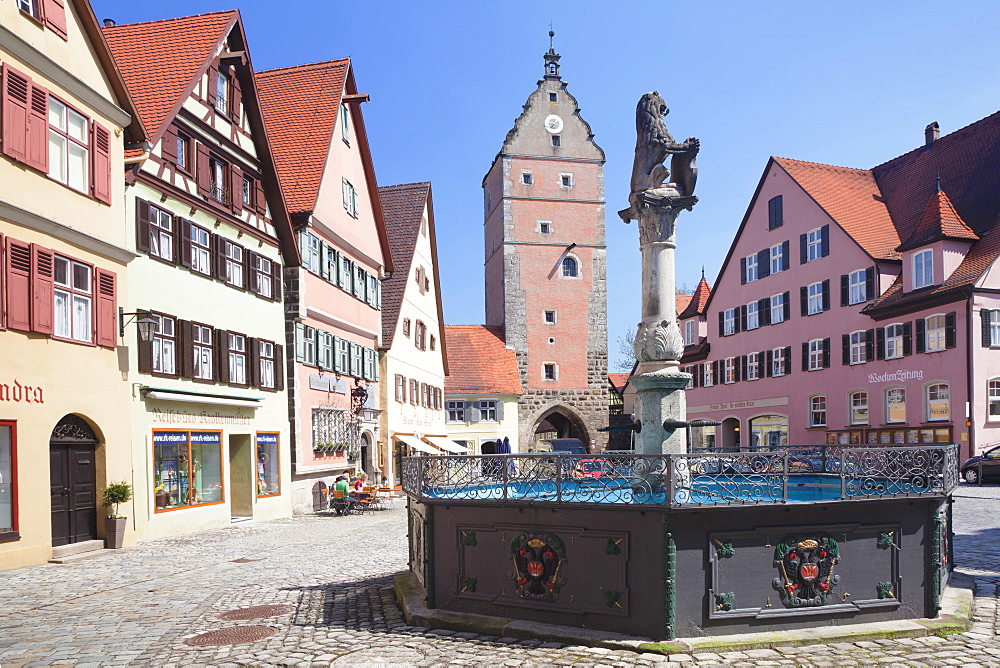 Fountain at the marketplace with Wornitz Turm Tower, Dinkelsbuhl, Romantic Road (Romantische Strasse), Franconia, Bavaria, Germany, Europe