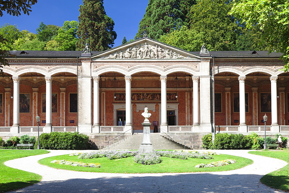 Trinkhalle pump room with Corinthian columns, Baden-Baden, Black Forest, Baden Wurttemberg, Germany, Europe