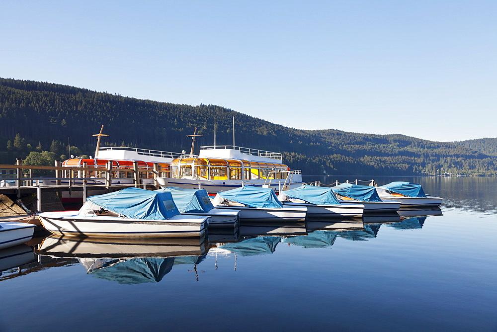 Titisee Lake, Titisee-Neustadt, Black Forest, Baden Wurttemberg, Germany, Europe