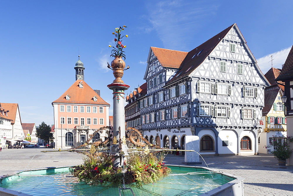 Marketplace, Town Hall, fountain and Palmsche Apotheke Pharmacy, Schorndorf, Schurwald, Baden Wurttemberg, Germany, Europe