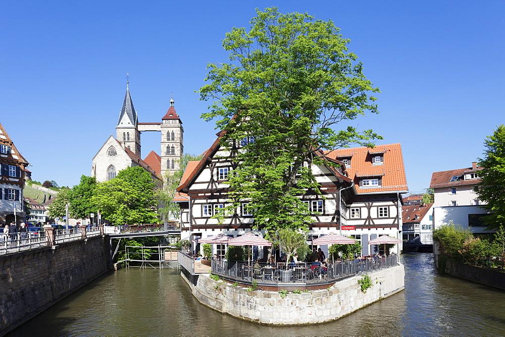 View over Wehrneckarkanal Chanel to St. Dionysius church (Stadtkirche St. Dionys), Esslingen (Esslingen-am-Neckar), Baden-Wurttemberg, Germany, Europe