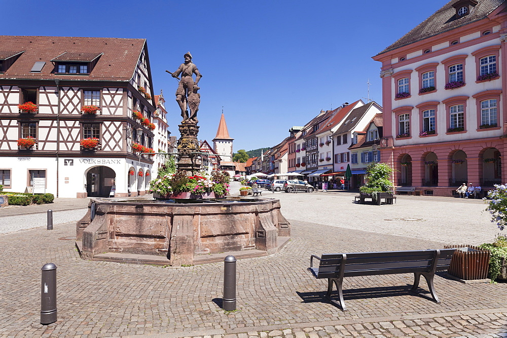 Roehrbrunnen Fountain at the market square, town hall and Obertorturm tower, Gengenbach, Kinzigtal Valley, Black Forest, Baden Wurttemberg, Germany, Europe