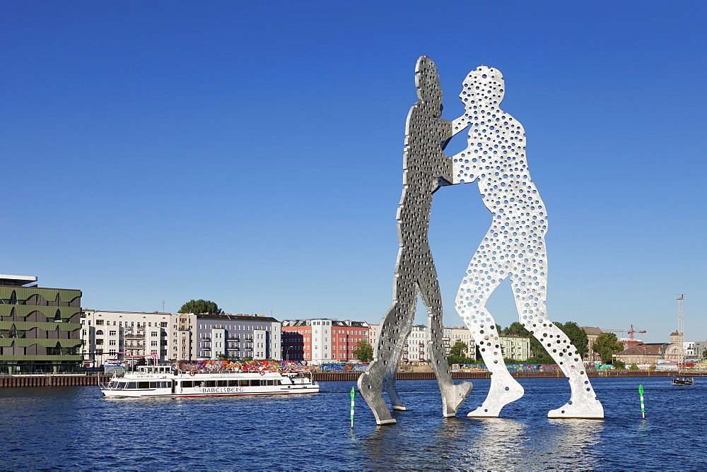 Molecule Man by Jonathan Borofsky, excursion boat at Spree River, Treptow, Berlin, Germany, Europe - 1160-3064