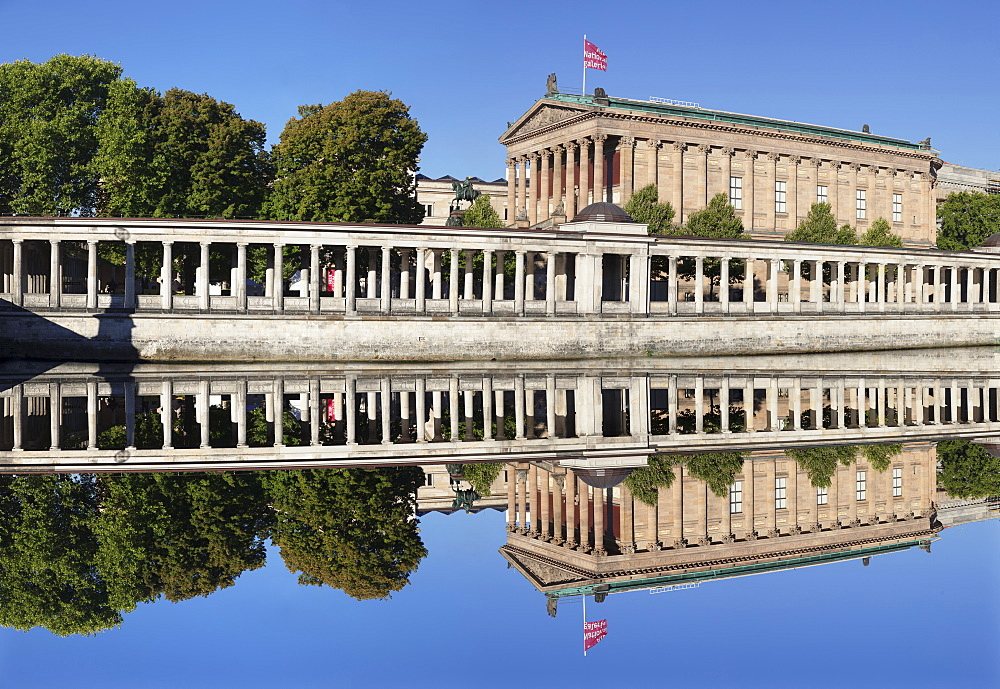 Alte Nationalgalerie (Old National Gallery), Colonnades, Museum Island, UNESCO World Heritage Site, Mitte, Berlin, Germany, Europe