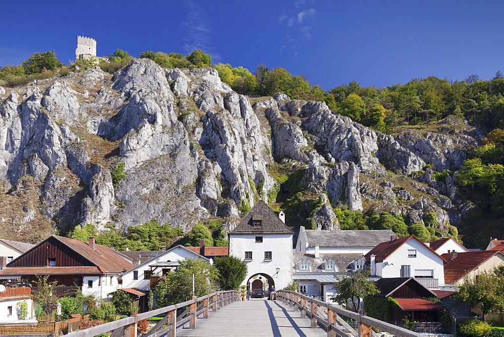 Bridge and bridge tower, Randeck Castle, Essing, nature park, Altmuehltal Valley, Bavaria, Germany