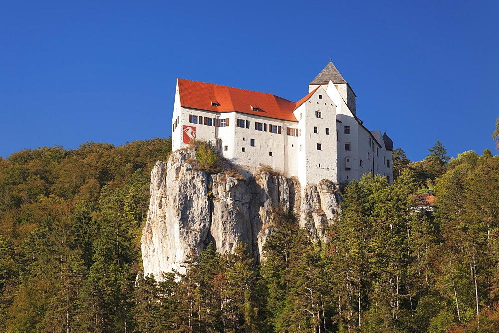 Prunn Castle, Riedenburg, nature park, Altmuehltal Valley, Bavaria, Germany