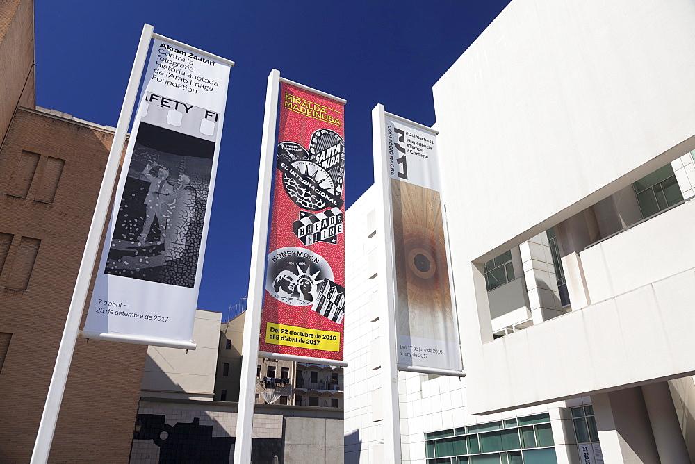 Museu d'Art Contemporani de Barcelona (MACBA), architect Richard Meier, El Raval, Barcelona, Catalonia, Spain, Europe