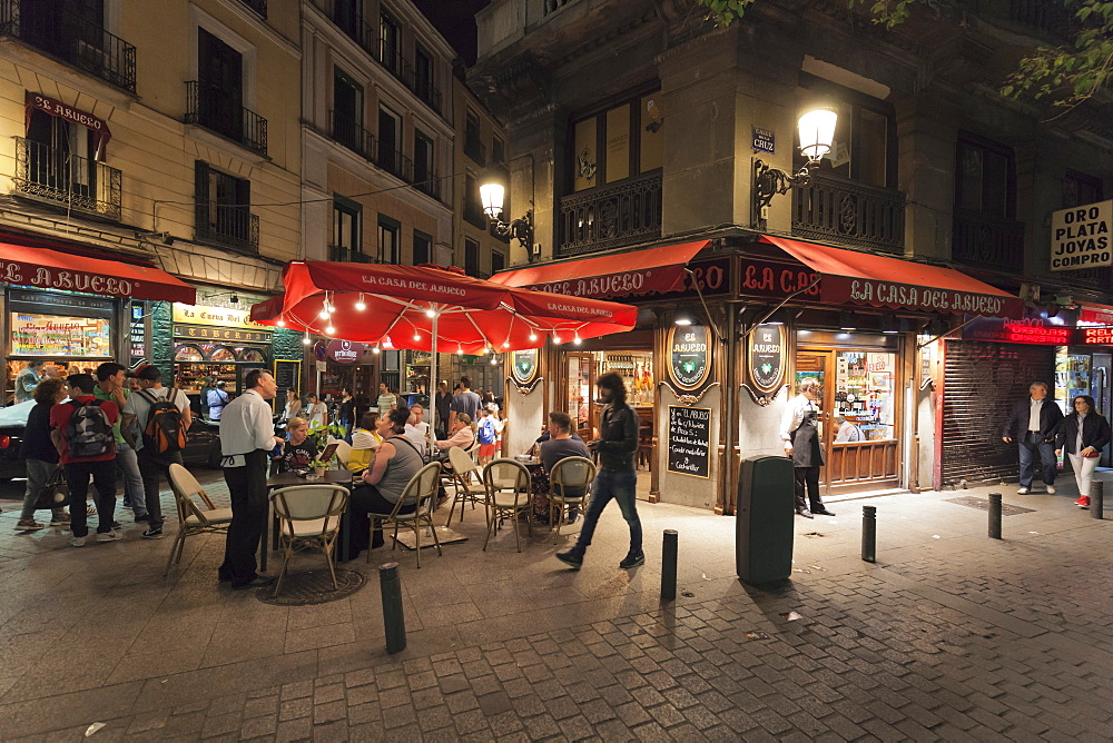 La Casa del Abuelo, traditional restaurant and Tapas bar, Huertas, Madrid, Spain
