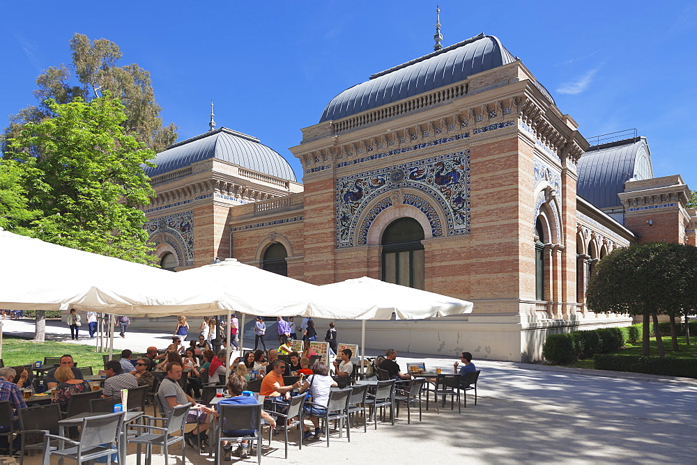 Cafe at Palacio de Velazques, exhibition venue for Reina Sofia Museum, Retiro Park, Parque del Buen Retiro, Madrid, Spain, Europe