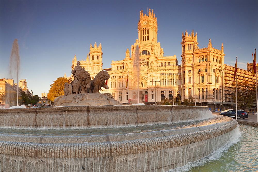 Cibeles Fountain (Fuente de la Cibeles), Architect Ventura Rodriguez, Palacio de Comunicaciones, Plaza de la Cibeles, Madrid, Spain, Europe