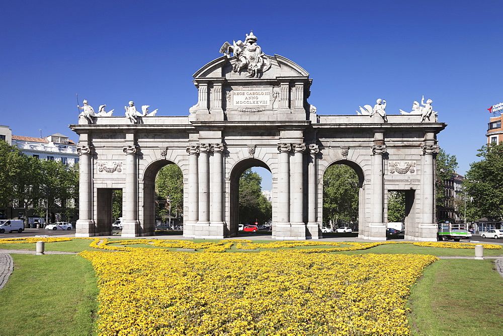 Puerta de Alcala Gate, Plaza de Indepencia, Madrid, Spain