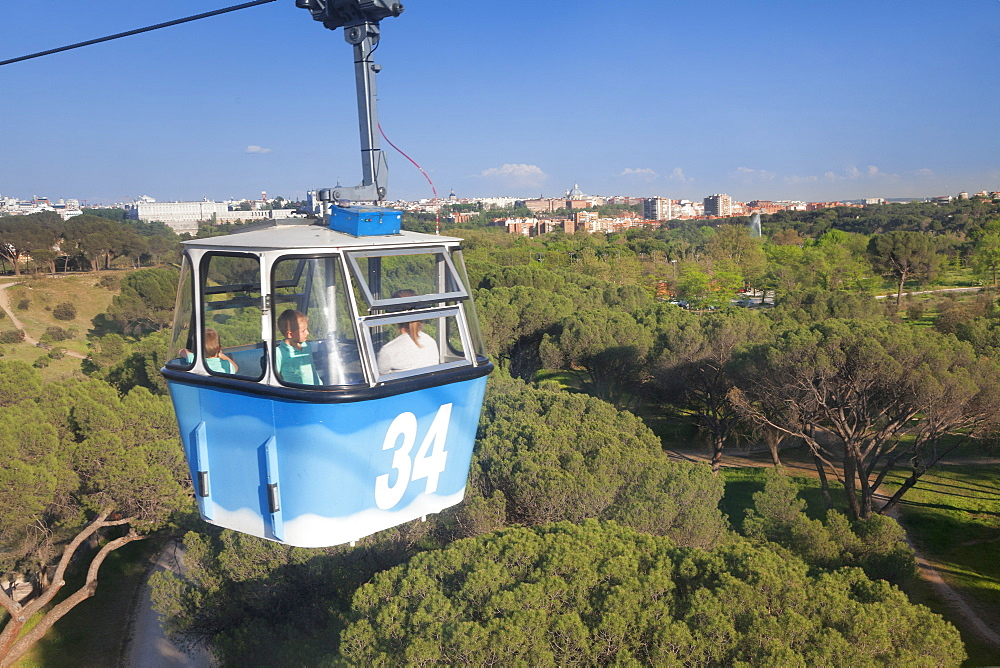 Teleferico, cable car, Casa de Campo Park, Madrid, Spain