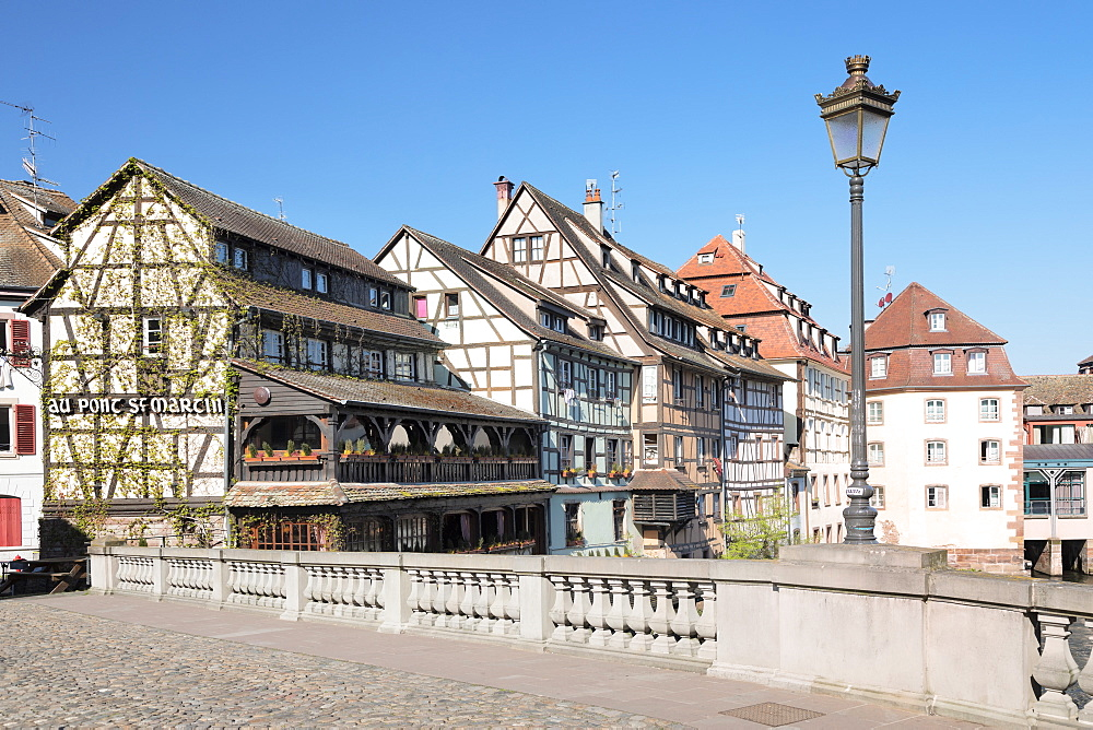 Pont St. Martin, La Petite France, UNESCO World Heritage Site, Strasbourg, Alsace, France, Europe - 1160-3896