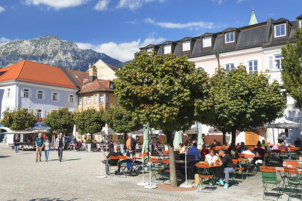 Street Cafes at market place, Bad Reichenhall, Upper Bavaria, Bavaria, Germany