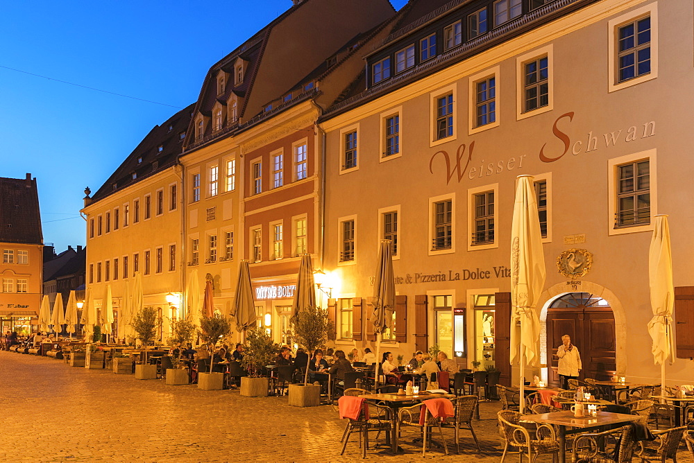 Sidewalk restaurants at the market place, Pirna, Saxon Switzerland, Saxony, Germany, Europe
