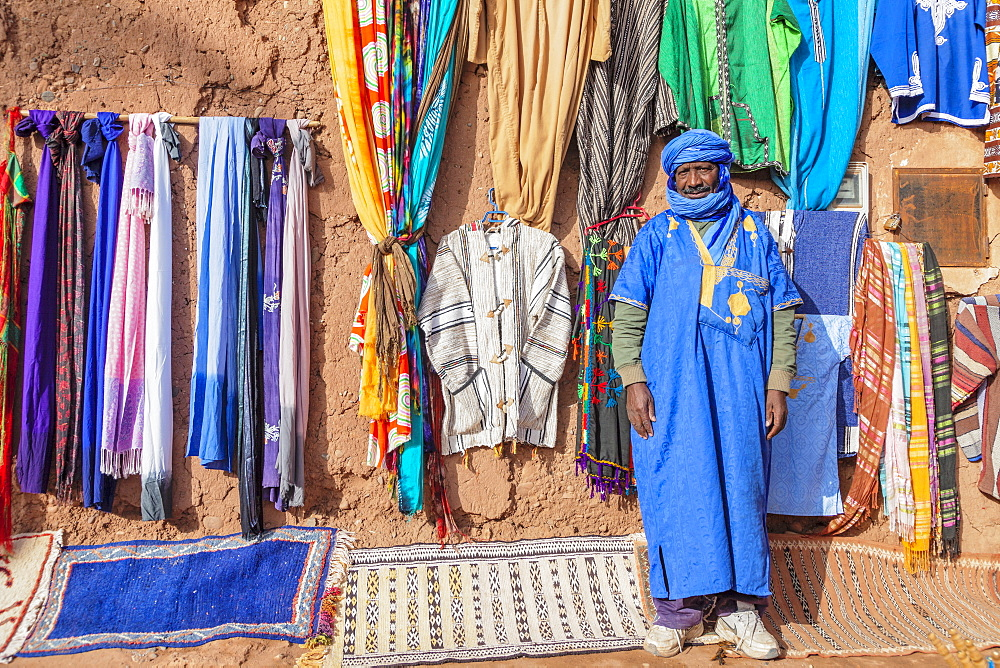 Berber sells souvenirs, Ait-Benhaddou, Morocco, North Africa, Africa - 1160-4064