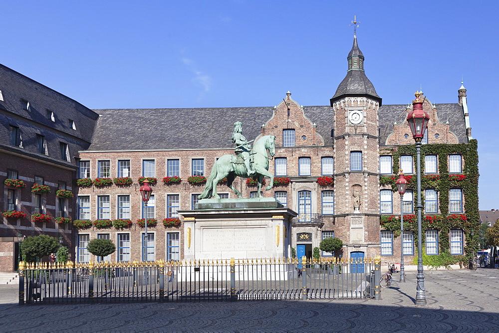 Jan Wellem statue, town hall, Marktplatz, old town of Dusseldorf, North Rhine Westphalia, Germany, Europe
