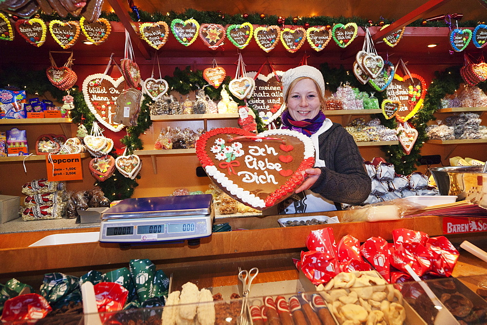 Stall selling gingerbread hearts at the Christmas Fair, Esslingen am Neckar, Baden Wurttemberg, Germany, Europe