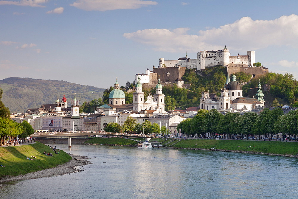 Old Town, UNESCO World Heritage Site, with Hohensalzburg Fortress and Dom Cathedral on the River Salzach, Salzburg, Salzburger Land, Austria, Europe