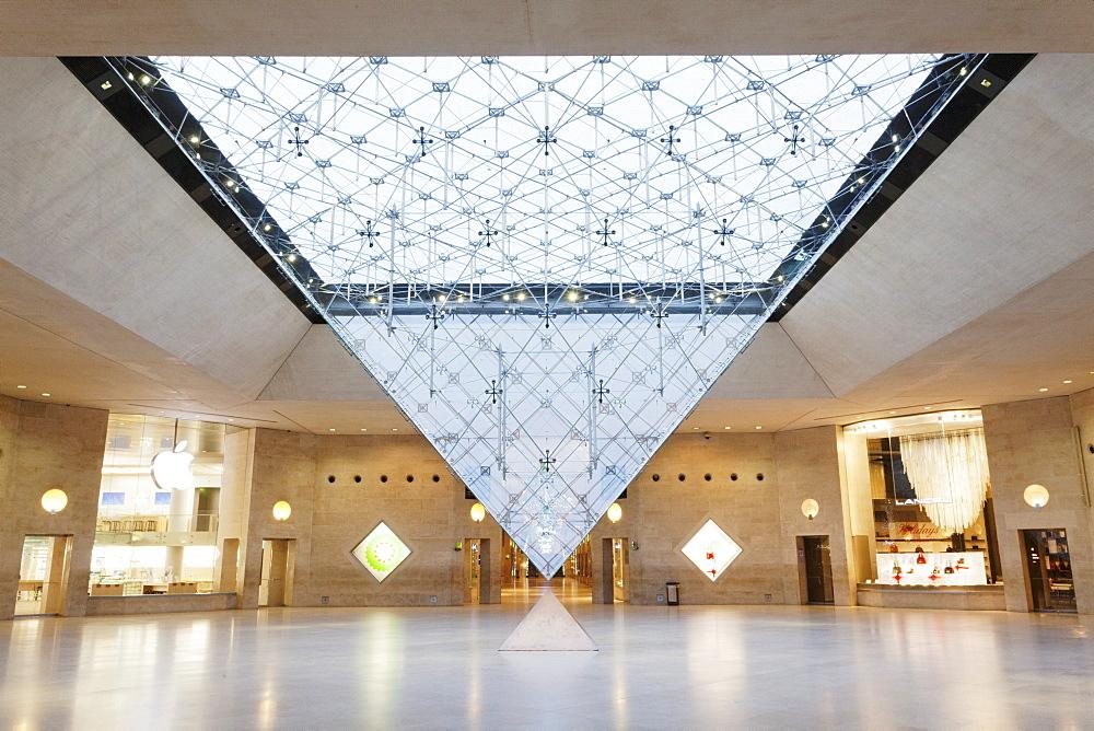 Shopping mall La Carrousel du Louvre, Paris, Ile de France, France, Europe