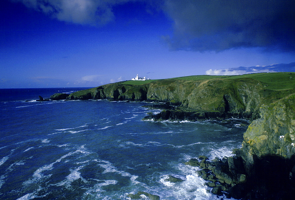 Lizard Point Lighthouse in Housel Bay, Cornwall, South West England