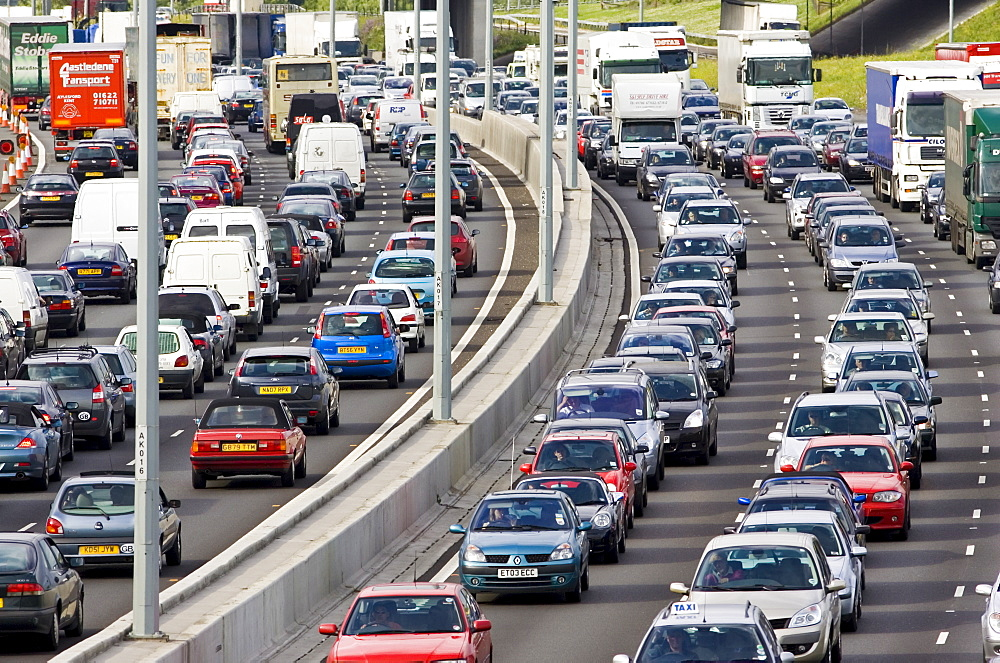 Traffic congestion at a standstill in both directions on M25 motorway, London, United Kingdom - 1161-2875