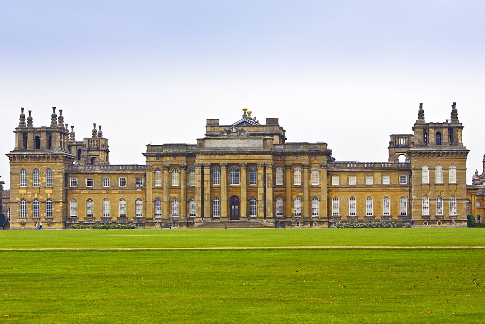 Blenheim Palacehomeof Duke of Marlborough, birthplace of Sir Winston Churchill, built 1705 Architect Vanbrugh