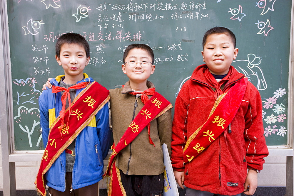 Boys at primary school in Hong Ying Road, Xian. China has a one child policy to reduce population. - 1161-3384