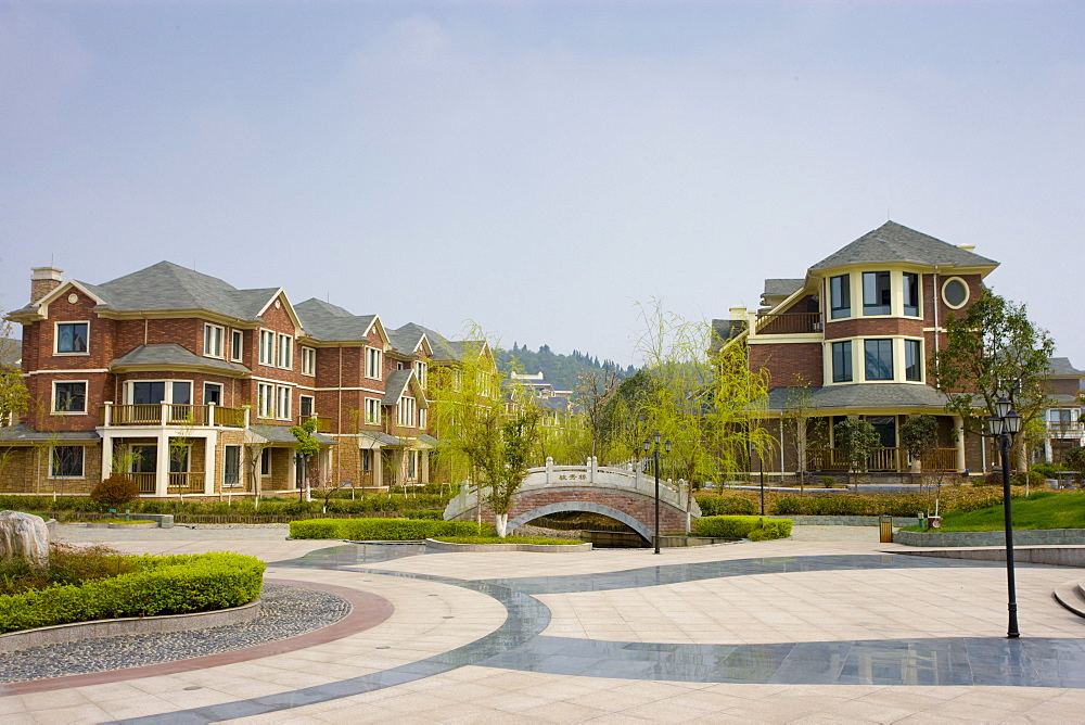 Western-style modern gated housing development in Yichang, China