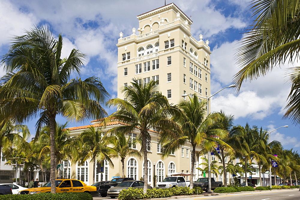 Old City Hall, Washington Street, in Miami's famous Art Deco district at South Beach, Miami, Florida, USA