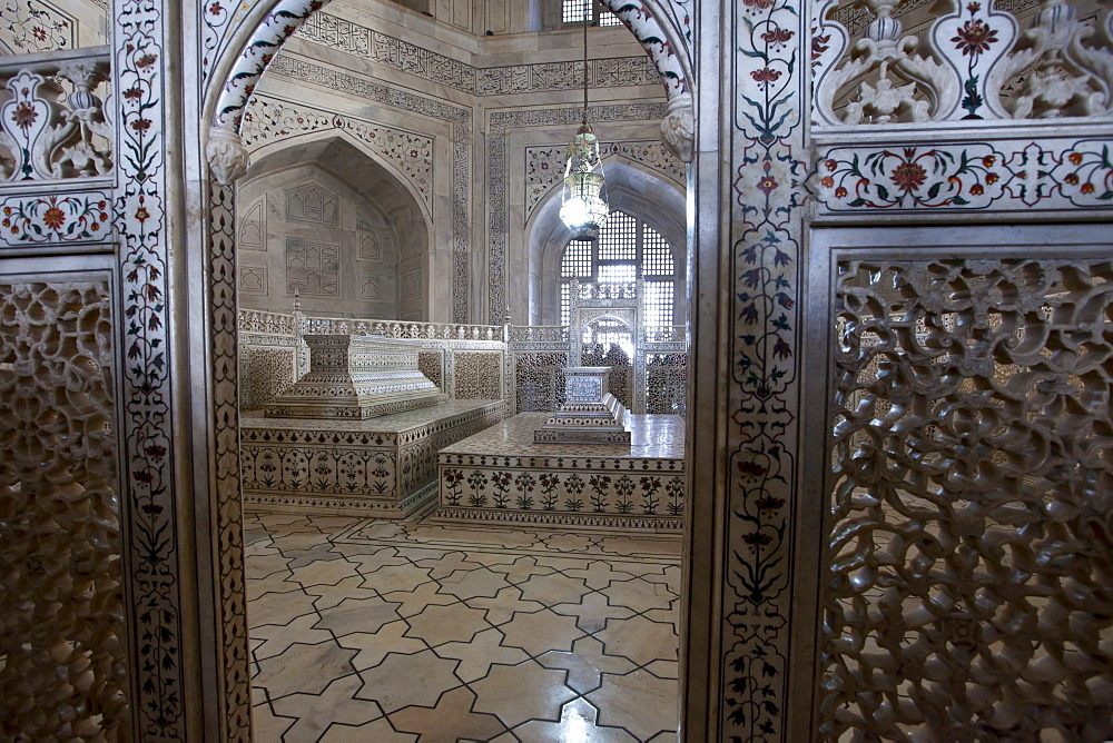 The Taj Mahal mausoleum marble tomb caskets of Shah Jahan and Mumtaz Mahal , Uttar Pradesh, India