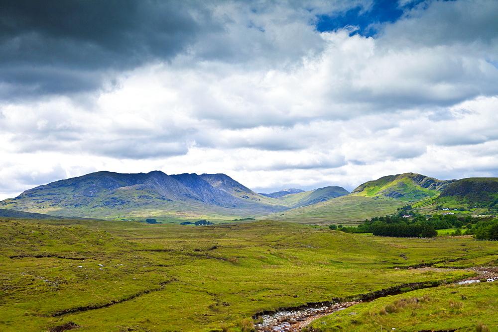 The Twelve Bens mountain range, Connemara National Park, County Galway, Ireland