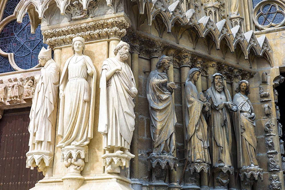 Statues cleaned during renovation and cleaning works at Reims Notre Dame Cathedral, UNESCO World Heritage Site, Reims, Champagne-Ardenne, France