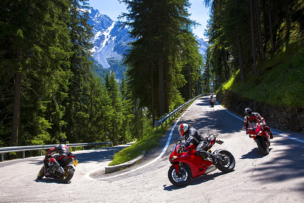Motorcycles on The Stelvio Pass (Passo dello Stelvio) (Stilfser Joch), route from Bormio to Trafio in The Alps, Italy, Europe