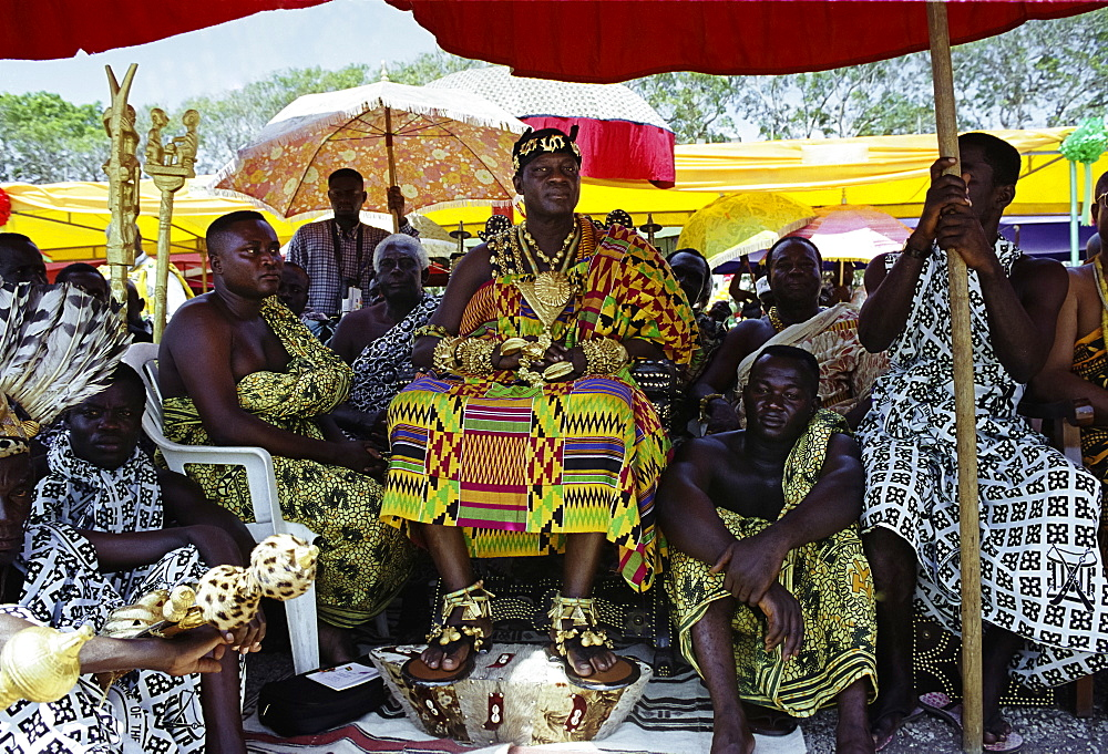 Ashanti (Asante) tribe chief, adorned with jewellery of local gold, at a tribal feast at Accra, Republic of Ghana, West Africa, Africa
