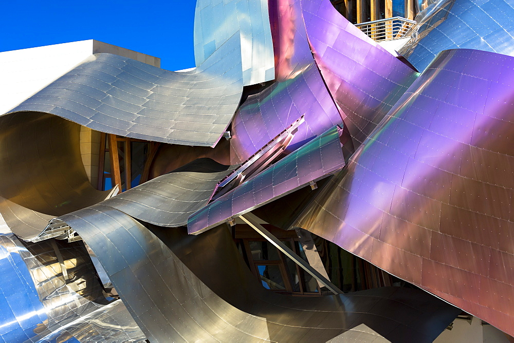Hotel Marques de Riscal, futuristic curved design by architect Frank O Gehry, at Elciego in Rioja-Alavesa area of the Basque Country, Euskadi, Spain, Europe - 1161-8436