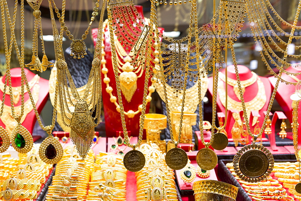 Gold jewelry necklaces and bracelets in goldsmiths shop, Grand Bazaar (Great Bazaar) (Kapali Carsi), Beyazi, Istanbul, Turkey, Europe