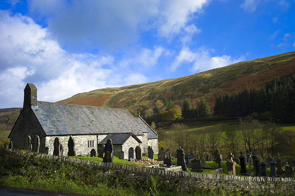 St. David's Old Parish Church and graveyard, Church of Wales, in parish of Blaenau Irfon in the Brecon Beacons, Powys, Wales, Unnited Kingdom, Europe