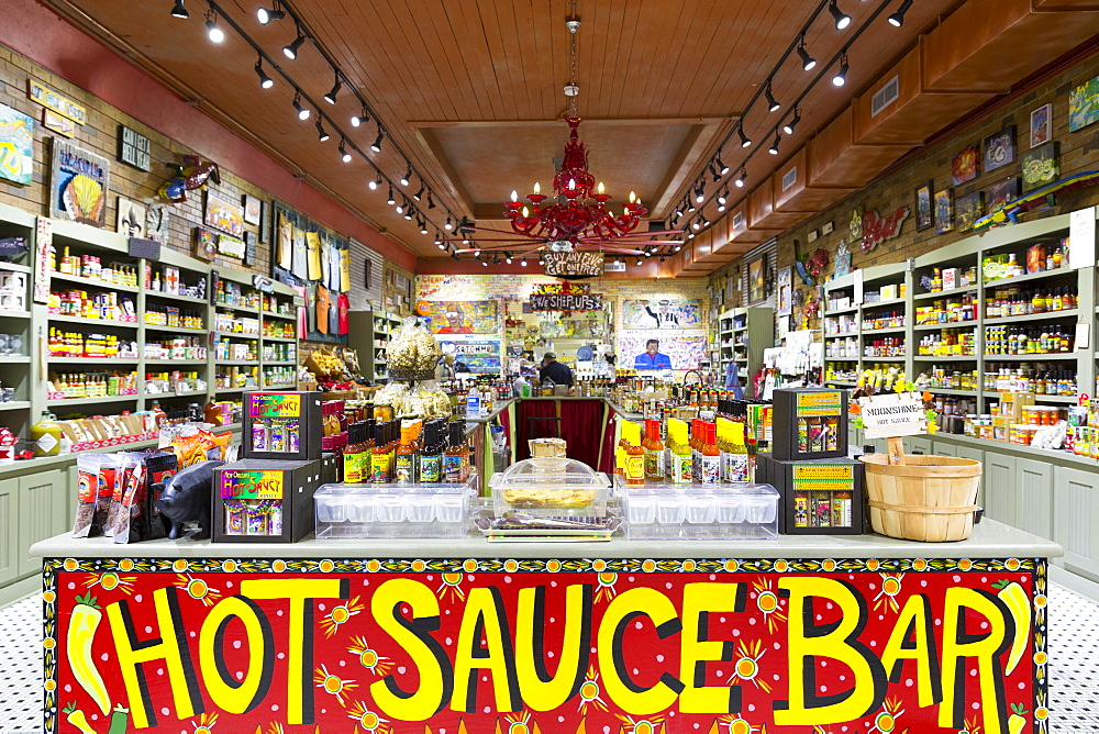 Magnolia Sugar and Spice Praline Kitchen and Hot Sauce Bar in Royal Street, French Quarter of New Orleans, USA