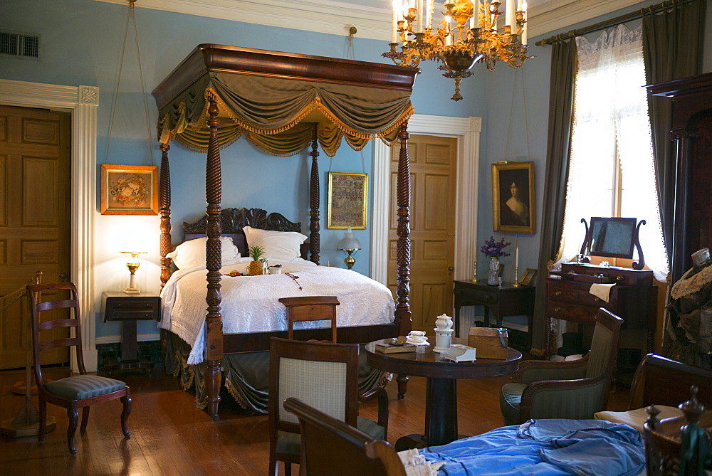 Oak Alley plantation antebellum mansion house interior of master bedroom with four poster bed in Vacherie, Louisiana, USA - 1161-8731