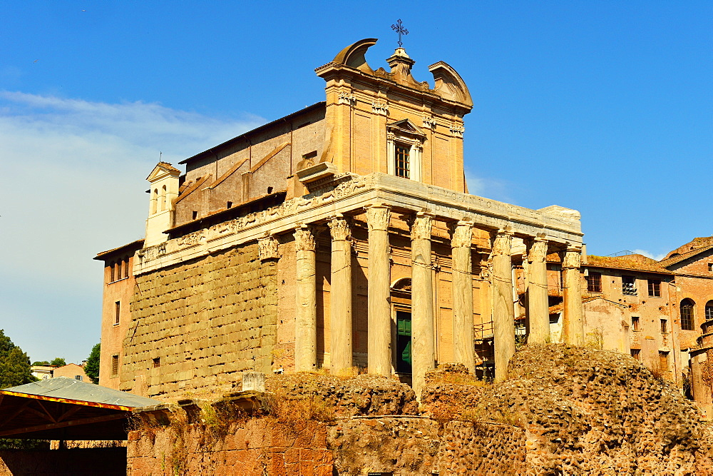 Antonio and Faustina Temple, Roman Forum, UNESCO World Heritage Site, Rome, Lazio, Italy, Europe