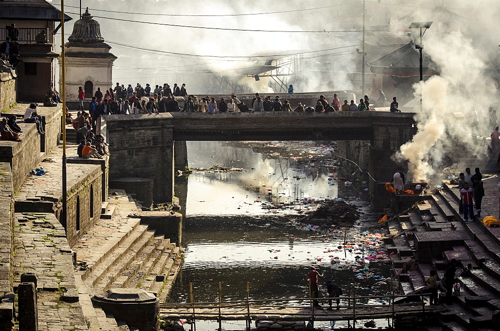 Pashupatinath cremation ghats alongside the Bagmati River, UNESCO World Heritage Site, Kathmandu, Nepal, Asia  - 1163-102
