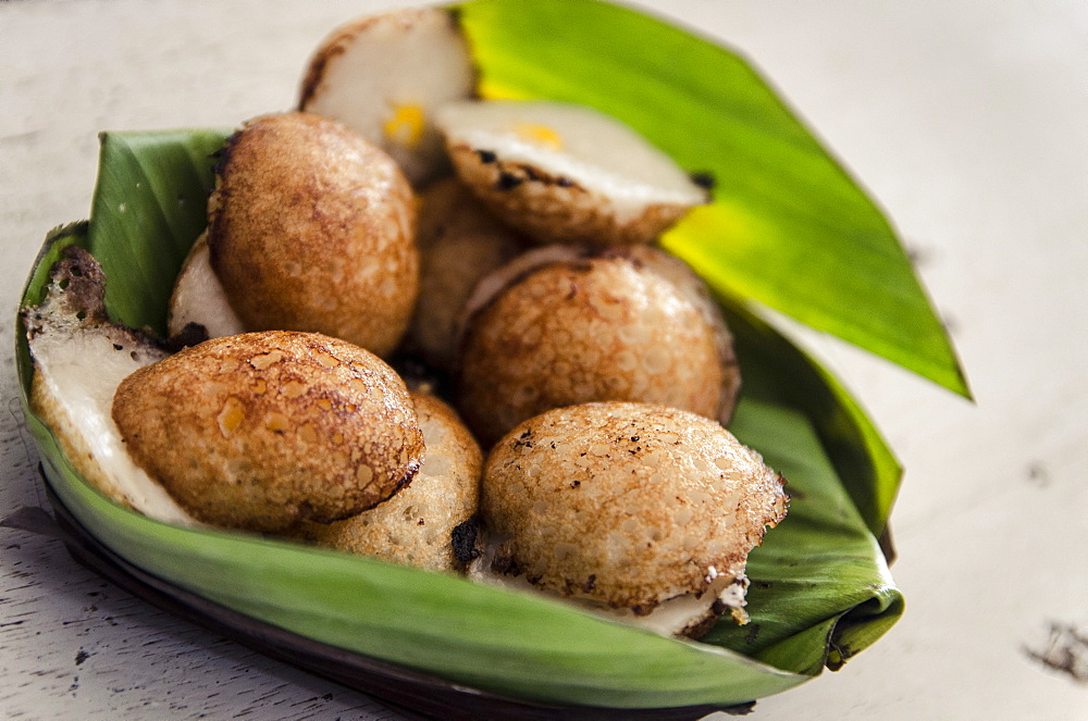 Fried coconut-milk dessert, Damnoen Saduak Floating Market, Thailand, Southeast Asia, Asia  - 1163-47