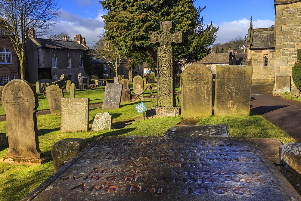 Saxon Cross and Plague victim's table tomb (Catherine Mompesson), Eyam Church, Plague Village, Eyam, Derbyshire, England, United Kingdom, Europe