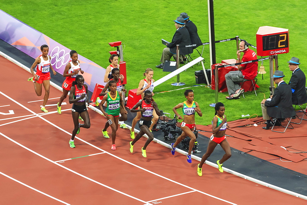 Competitors in the Women's 5000m final, Olympic Stadium, London 2012, Summer Olympic Games, London, England, United Kingdom, Europe