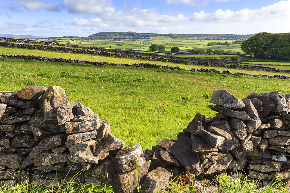Dry stone wall, with view across a beautiful typical country landscape in spring, Peak District National Park, Derbyshire, England, Unnited Kingdom, Europe