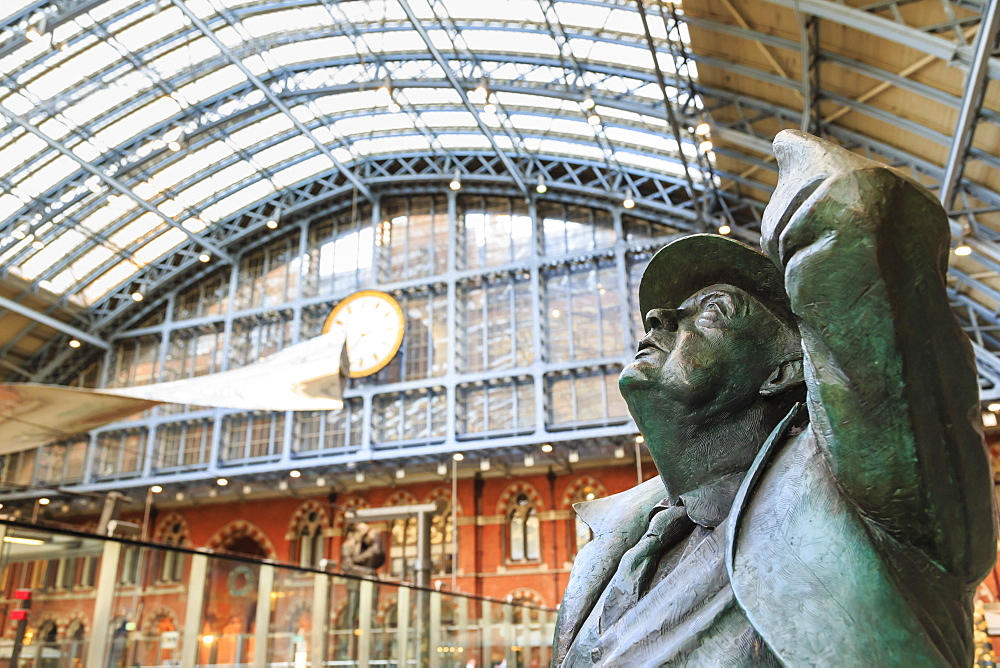 Statue of Sir John Betjeman, St. Pancras, historic Victorian gothic railway station, London, England, United Kingdom,. Europe