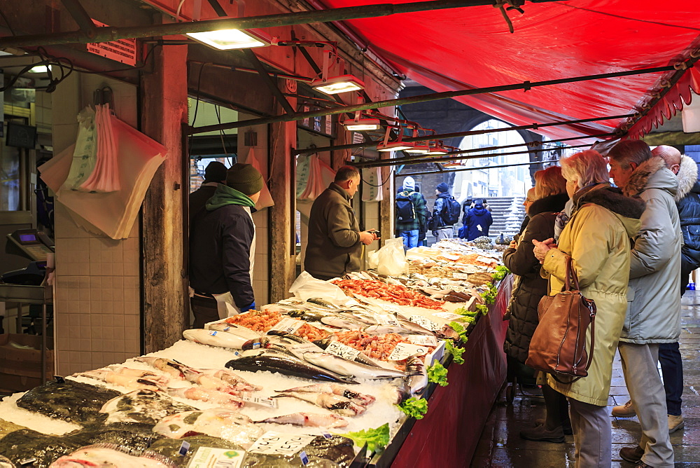 Fish stall, Pescheria, Rialto Market in winter, San Polo, Venice, UNESCO World Heritage Site, Veneto, Italy, Europe