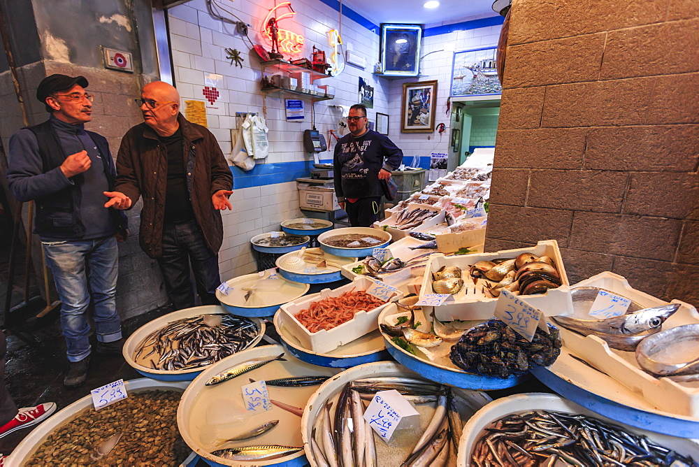 Fish shop, Via dei Tribunali, City of Naples, Historic Centre, UNESCO World Heritage Site, Naples, Campania, Italy, Europe